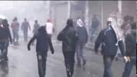 Diyarbakır'da yüzü kapalı göstericiler polise saldırdı