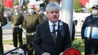 Vali Doğan, Anıt Şeref Defterini İmzaladı: